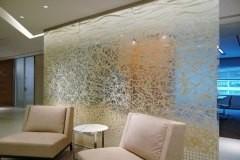 dekorativnye-stekljannye-peregorodki-3