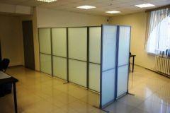 mobilnye-stekljannye-peregorodki-4