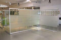 mobilnye-stekljannye-peregorodki-6