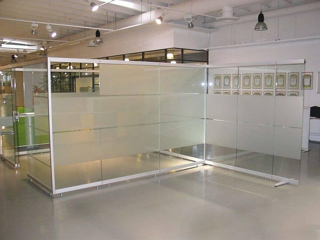 ofisnye-stekljannye-peregorodki-12