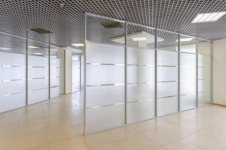 ofisnye-stekljannye-peregorodki-16