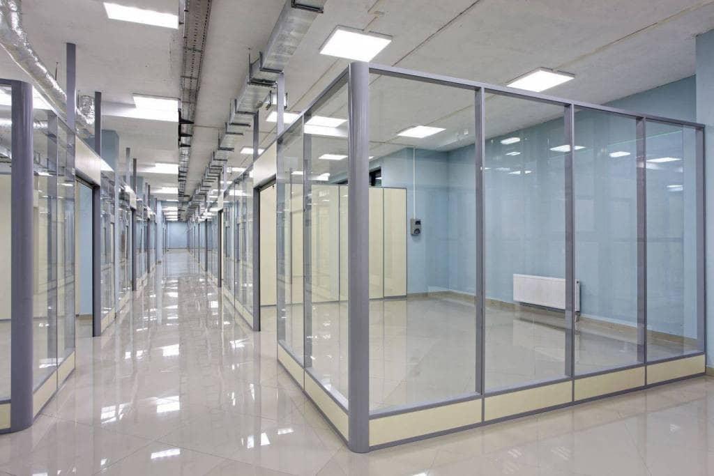 ofisnye-stekljannye-peregorodki-5