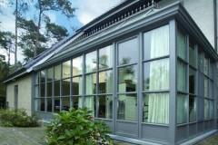 alyuminievaya-veranda-so-stoechno-rigelnym-ostekle
