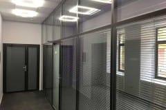 peregorodki-iz-stekla-v-ofise-na-nikolojamskom-2