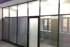 peregorodki-iz-stekla-v-ofise-na-nikolojamskom-3