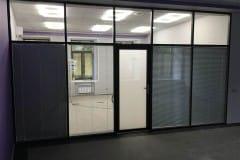 peregorodki-iz-stekla-v-ofise-na-nikolojamskom-5