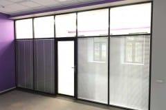 peregorodki-iz-stekla-v-ofise-na-nikolojamskom-6