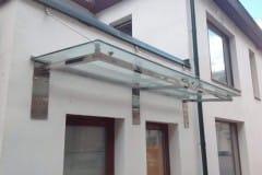 stekljannye-dveri-i-kozyrek-10