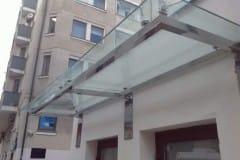 stekljannye-dveri-i-kozyrek-12