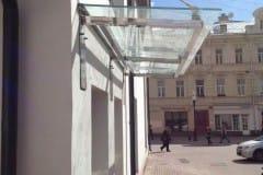 stekljannye-dveri-i-kozyrek-16