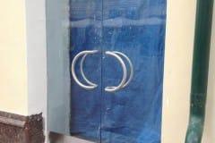 stekljannye-dveri-i-kozyrek-2
