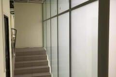 stekljannye-peregorodki-v-administrativnom-zdanii-2