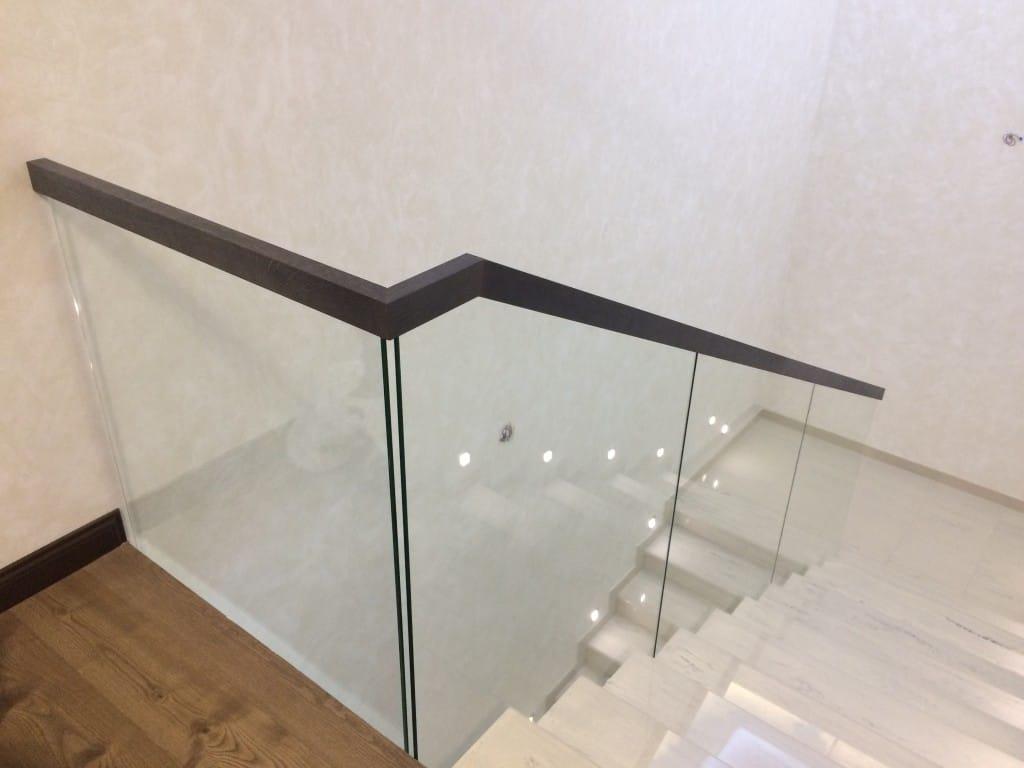 steklo-dlya-lestnic-12