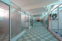 stekljannye-torgovye-peregorodki-4