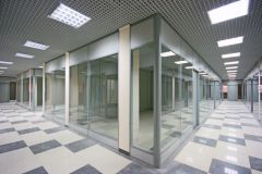 stekljannye-torgovye-peregorodki-8