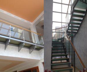Лестница в коттедже