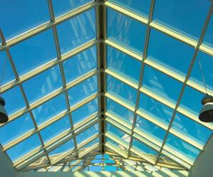 Стеклянные крыши для частных домов, офисов, торговых центров и домов